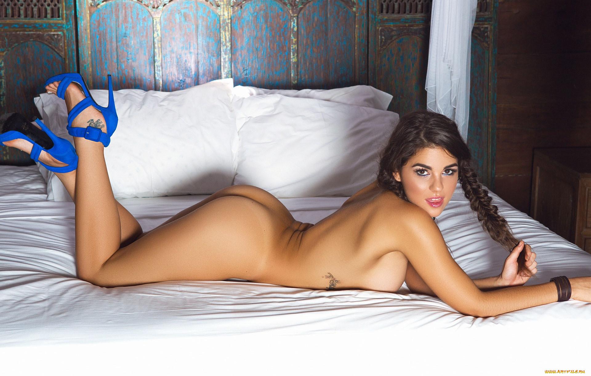 Jessica ann topless photoset